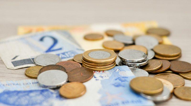 nízký pečovatelský plat